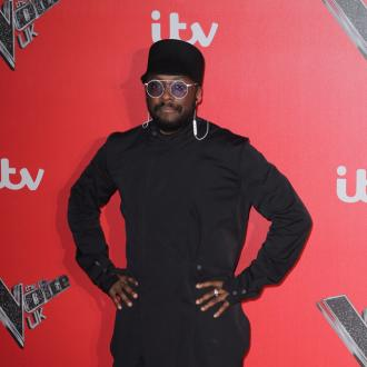 will.i.am suffers wardrobe malfunction on The Voice