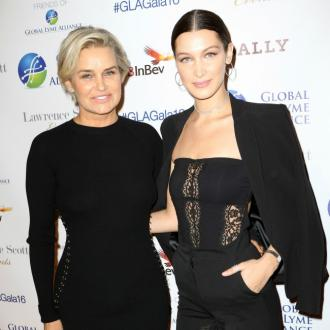 Yolanda Hadid teaches Bella Hadid how to pose