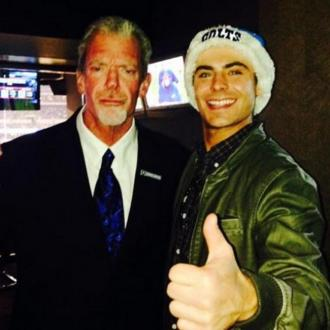 Zac Efron Shows Off His Newly Healed Jaw