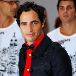 Zac Posen Wants Everyone To Be Trendy