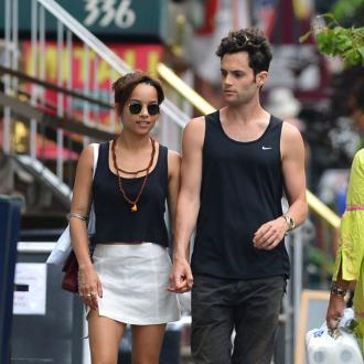 Penn Badgley and Zoe Kravitz split
