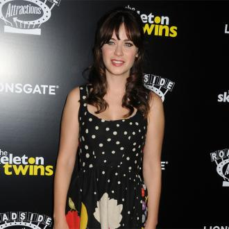 Zooey Deschanel smitten with Jonathan Scott