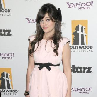 Zooey Deschanel grew her nails to scratch sister