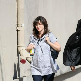 Zooey Deschanel Doesn't Want To Be 'Super Skinny'